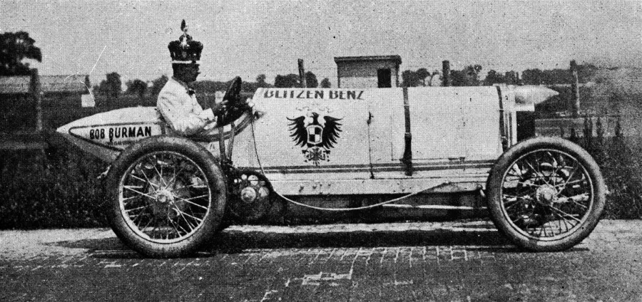 Bob-Burman-record-attempt-Indianapolis-1911-at-the-wheel-of-the-Blitzen-Benz-900x424