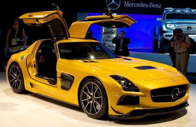 mercedes-benz-yellow