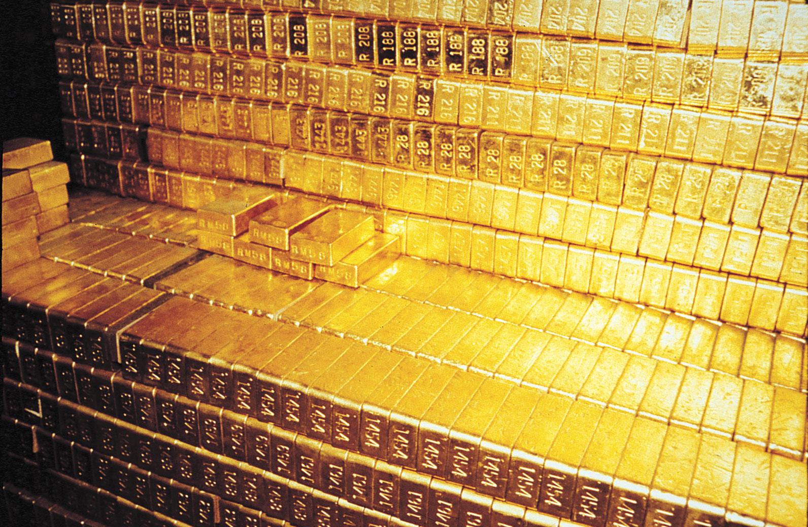 Много золота